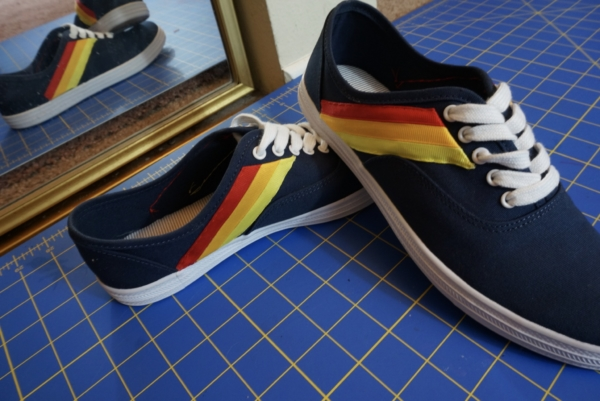 diy 70s striped sneakers